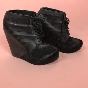Matiko Stella wedge leather ankle booties Sz 7.5